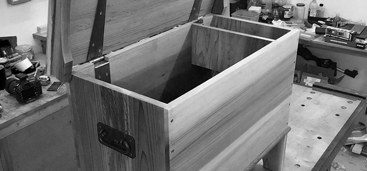 Make A Six Board Chest with Derek Jones