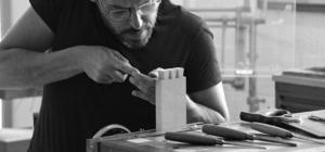 Fabio Guselli making dovetails